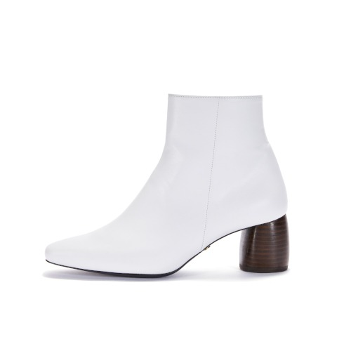 브리아나 Briana Wood Heel Point Boots_White